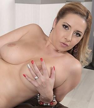 Moms Nails Porn Pictures