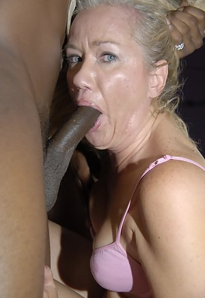 Moms Interracial Porn Pictures