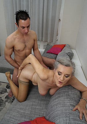 Moms Doggystyle Porn Pictures